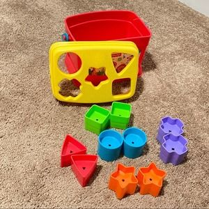 🍁 Fisher Price Shape Sorter Bucket Learning Toy